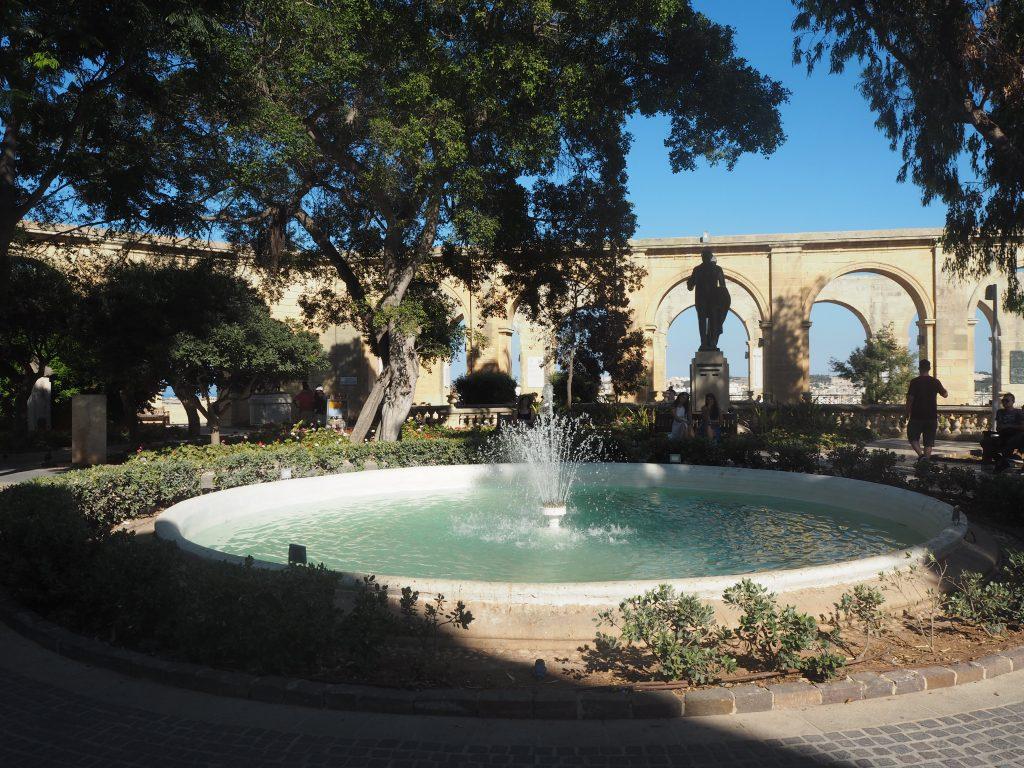 アッパー・バラッカ・ガーデンの噴水
