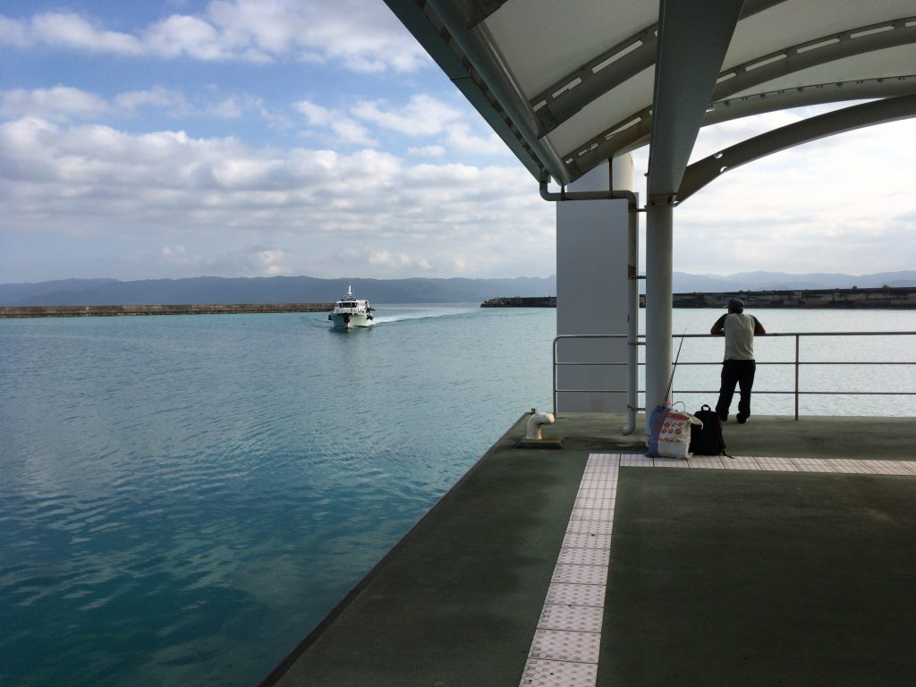 石垣島行きのフェリーがやって来た