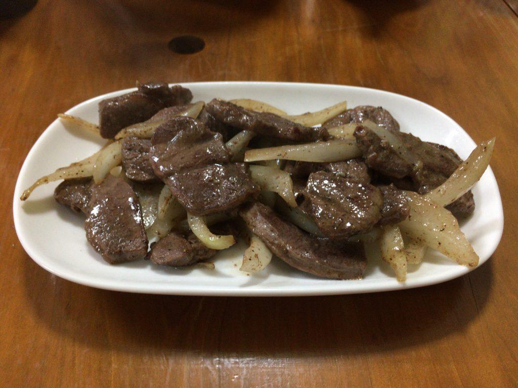 エゾシカ炒め(塩)。なかなか美味い