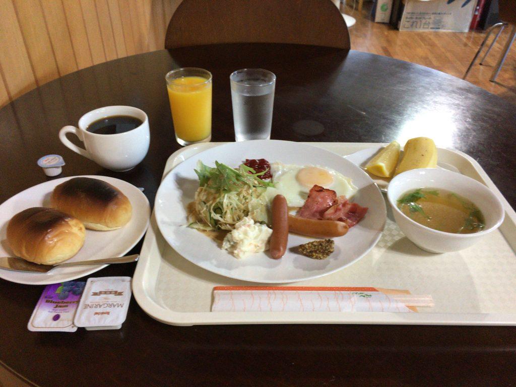 「ゲストハウスたけとみ」の朝食