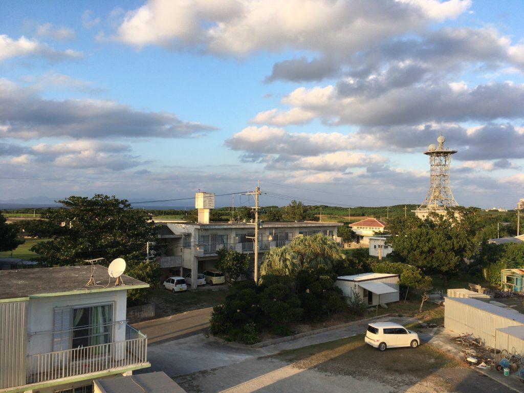 屋上から見る集落の風景