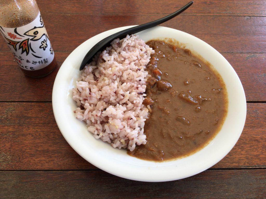 特製島野菜カレーライス。インドで食べたカレーを思い出した