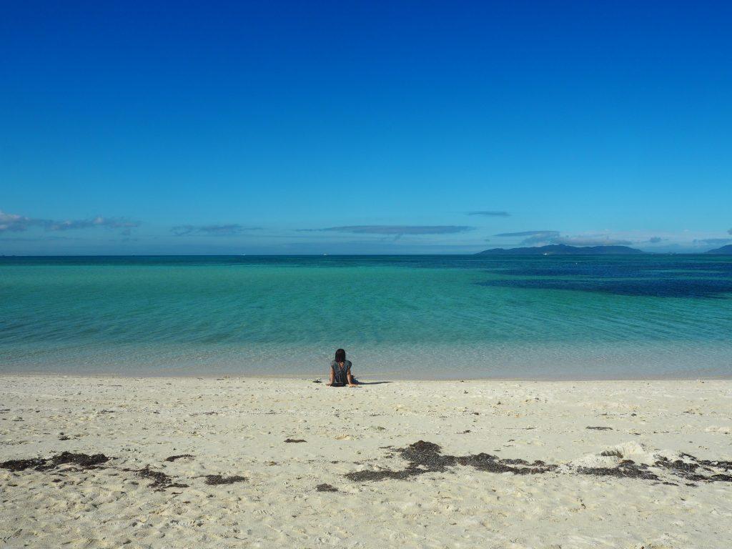 コンドイビーチから石垣島を望む