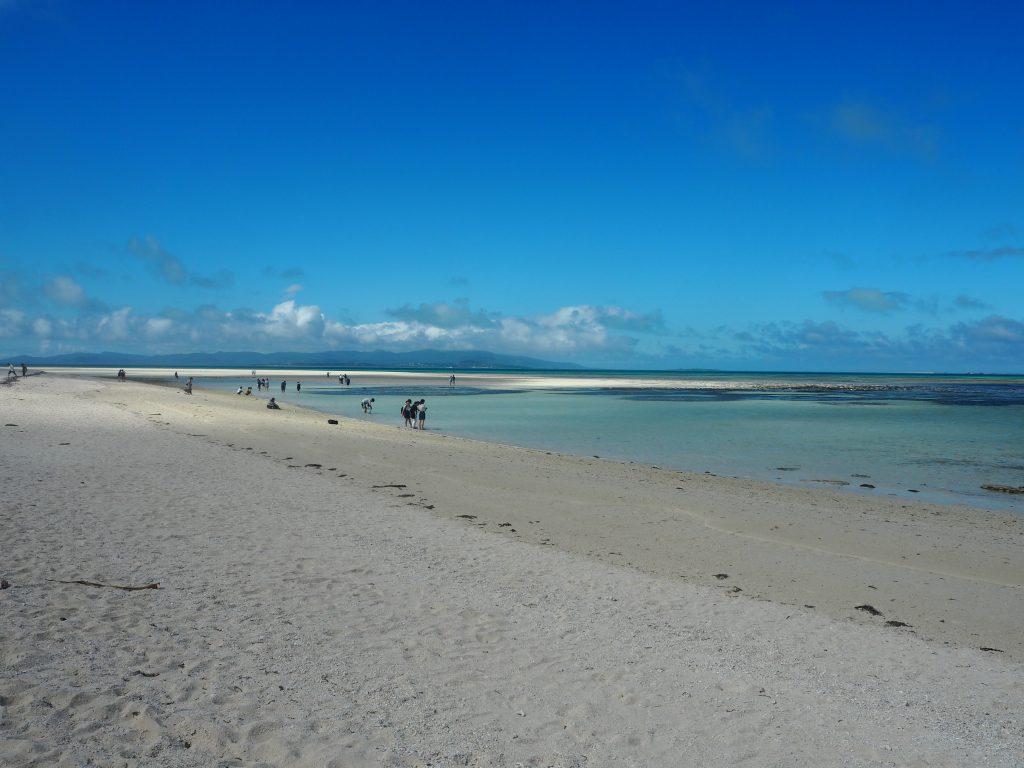 潮が引いてくるにつれ砂浜が大きくなる
