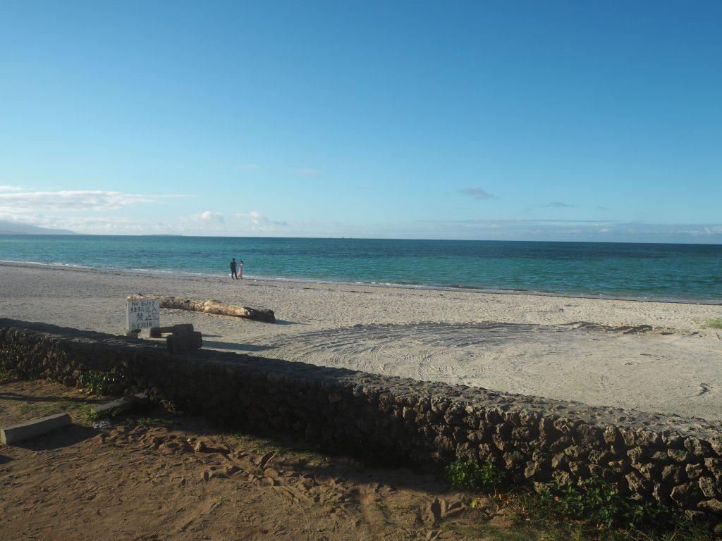 午後5時前のコンドイビーチ。まだまだ明るい