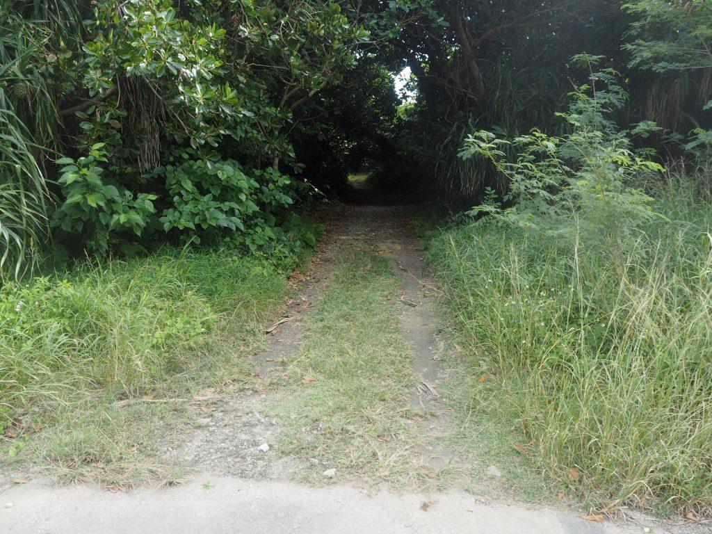 ペムチ浜の入り口