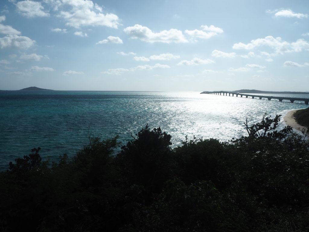 テラス席からの景色。池間島でも有数の絶景だ