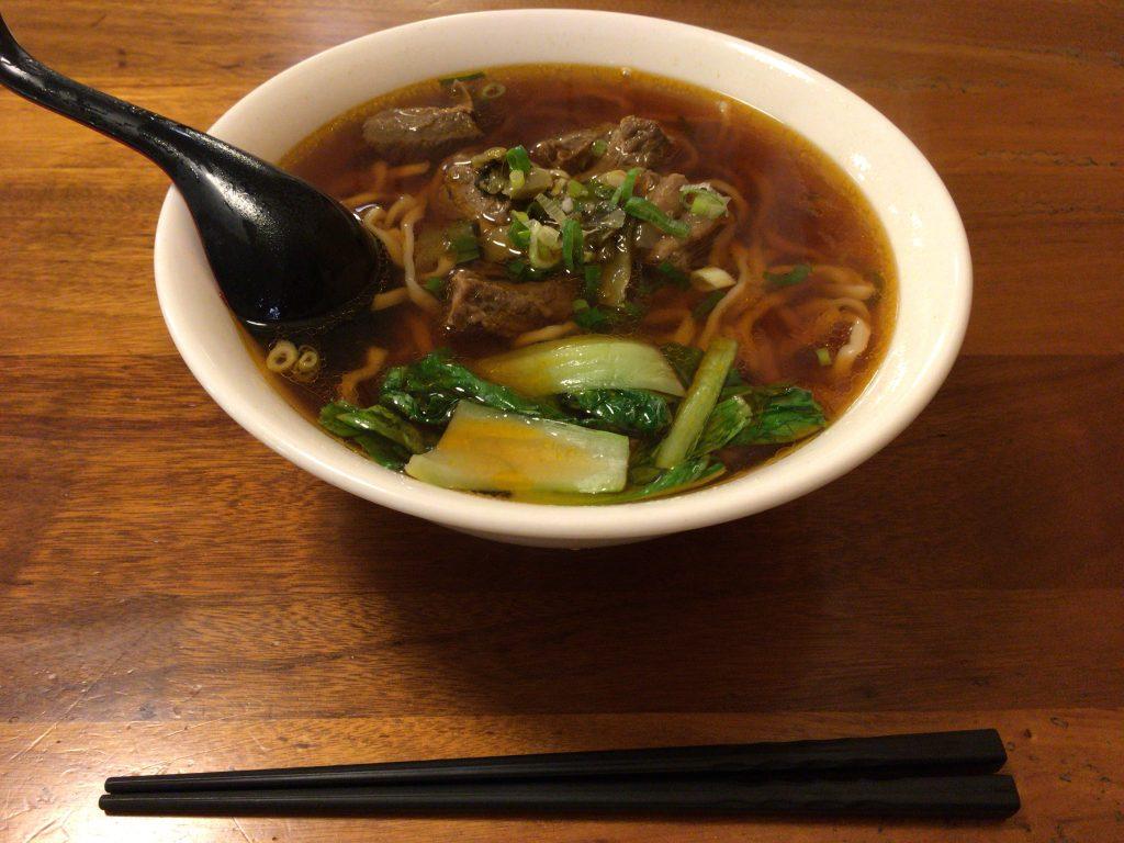 紅焼牛肉麺(ホンシャオニウロウミエン)