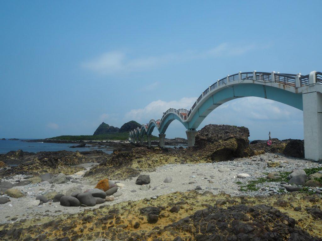 三仙台にかかる龍橋