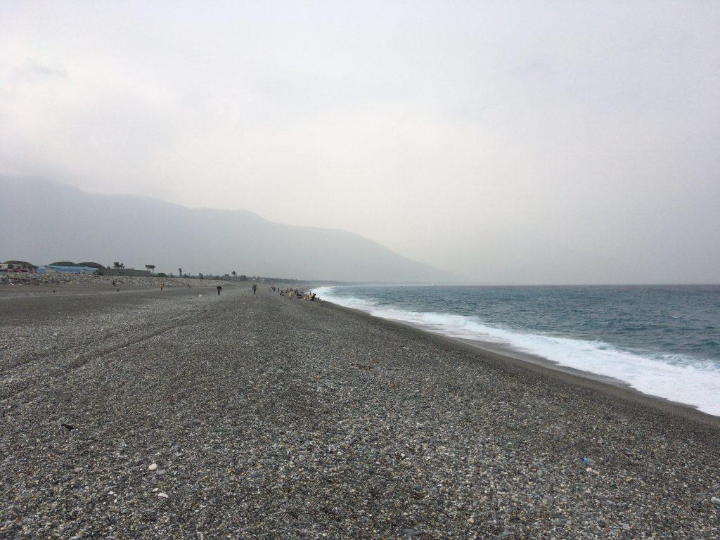 石でできた七星潭のビーチ