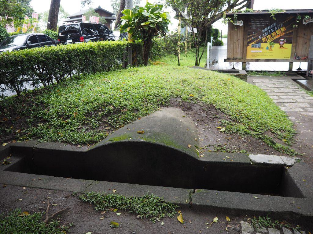 防空壕の入り口
