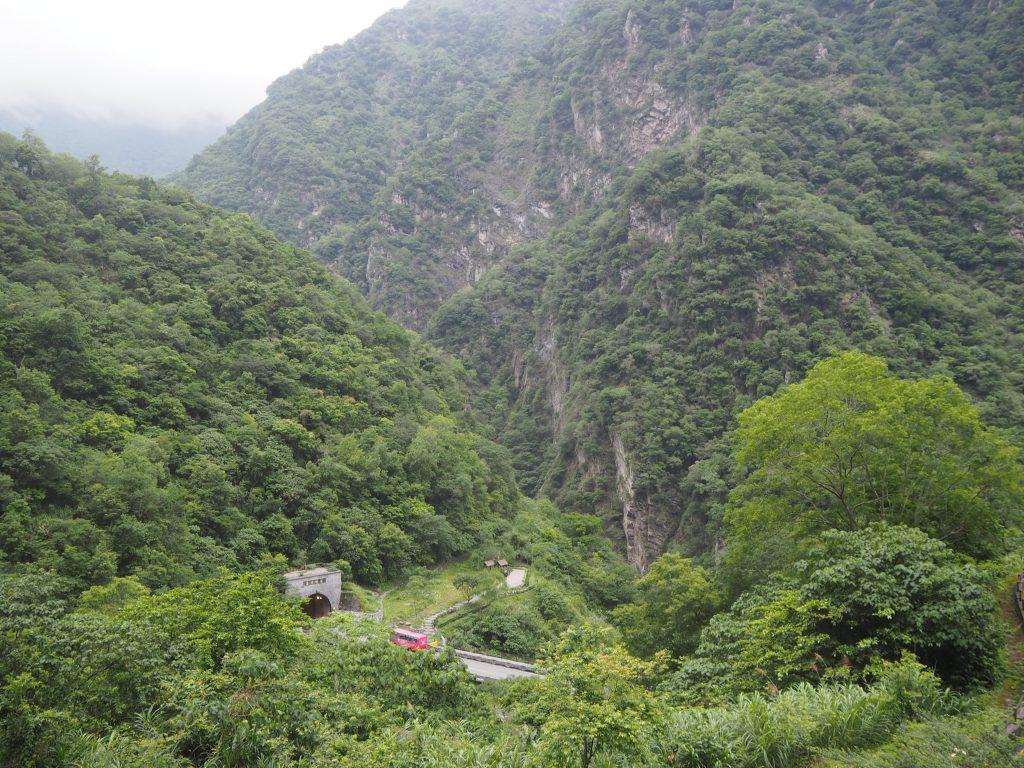タロコ峡谷を上方から望む