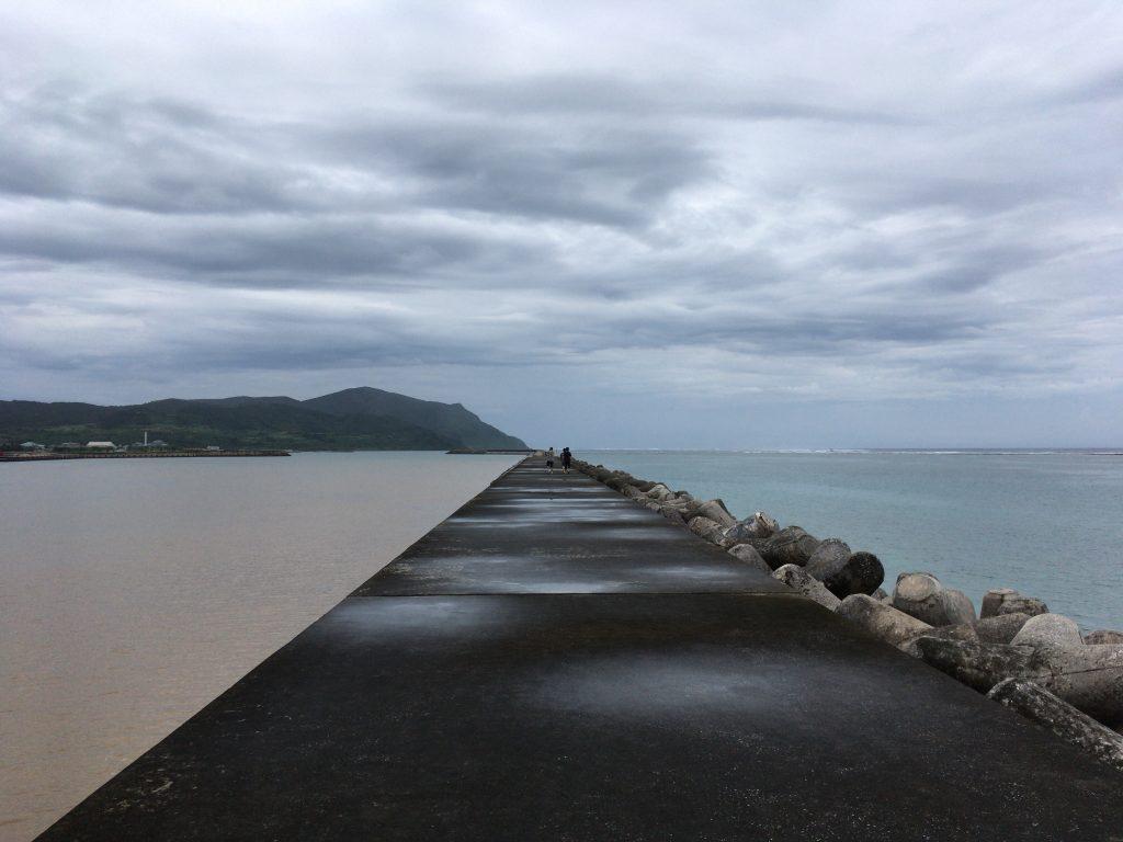 兼城港の堤防からの風景