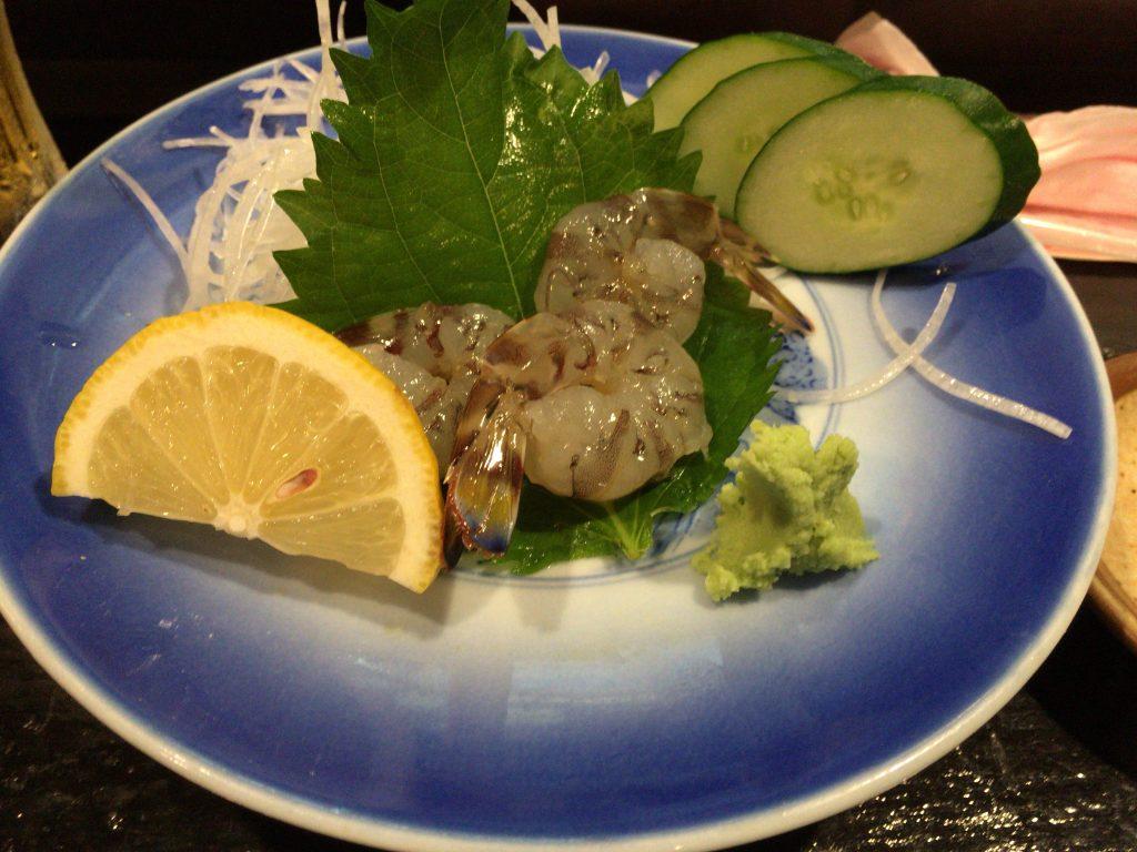車海老の刺身。久米島に来たら名物の車海老は外せない