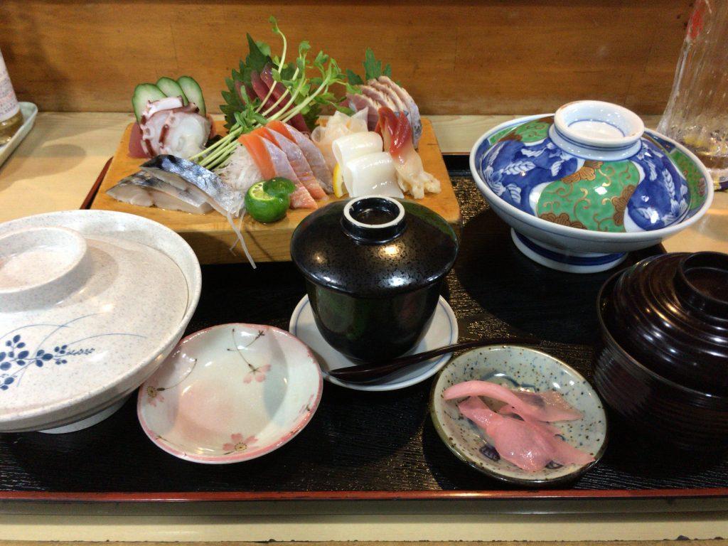 「松乃屋」の刺身定食(1,600円)