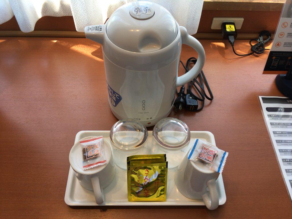 黒糖とさんぴん茶がいかにも沖縄らしい