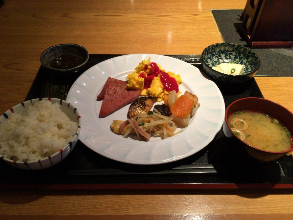 「ロコイン沖縄」での朝食