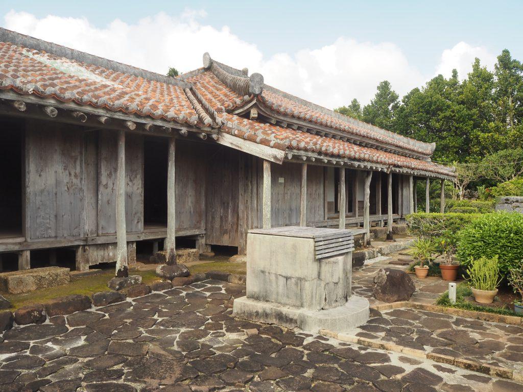 国指定重要文化財の上江洲家(うえずけ)住宅