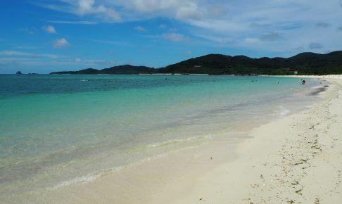 白い砂浜が2km続くイーフビーチ