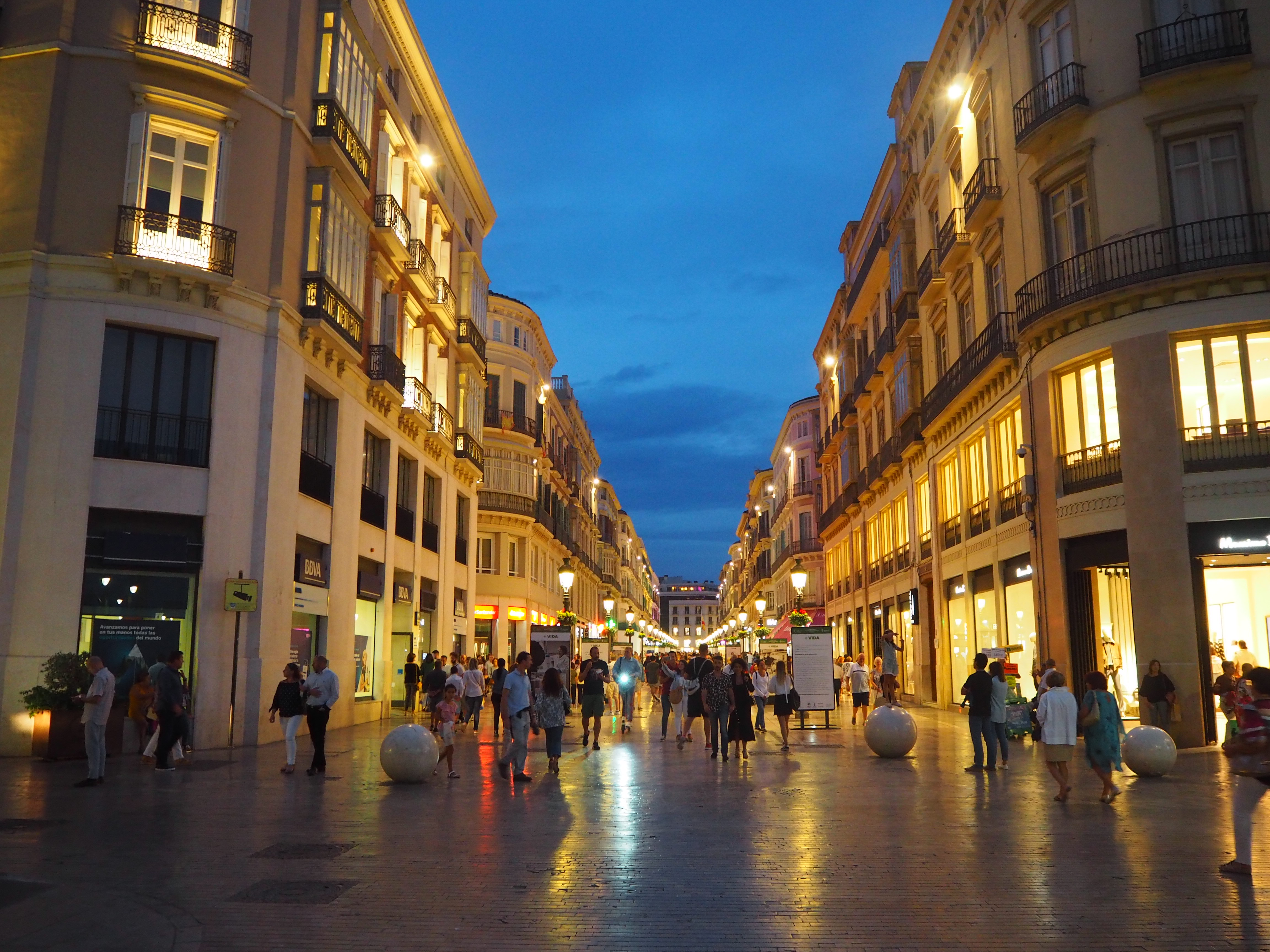 マルケス・デ・ラリオス通り。マラガのメインストリートだ