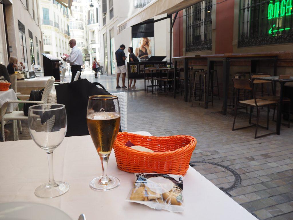 生ビール(1.9ユーロ)。スペインのビールは美味い