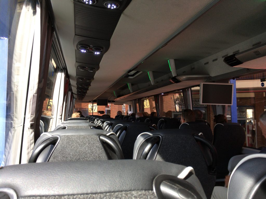 ネルハ行きのバスの車内