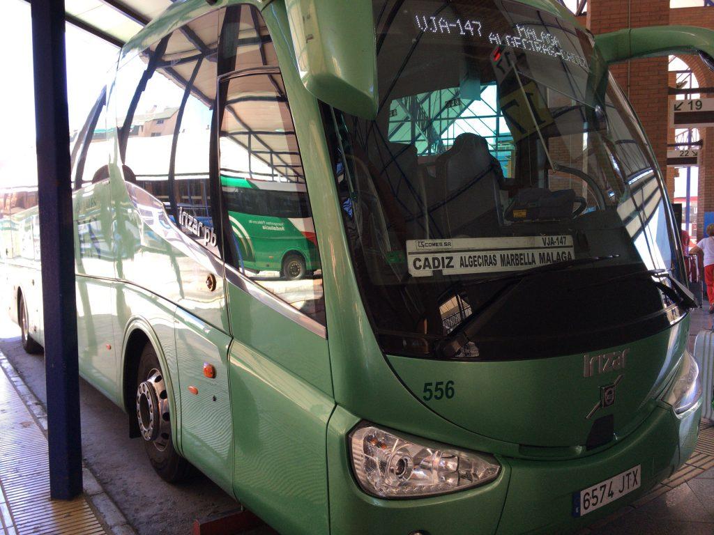 カディス(Cádiz)行きのバス。タリファ(Tarifa)とは書いていなかったので気を付けよう