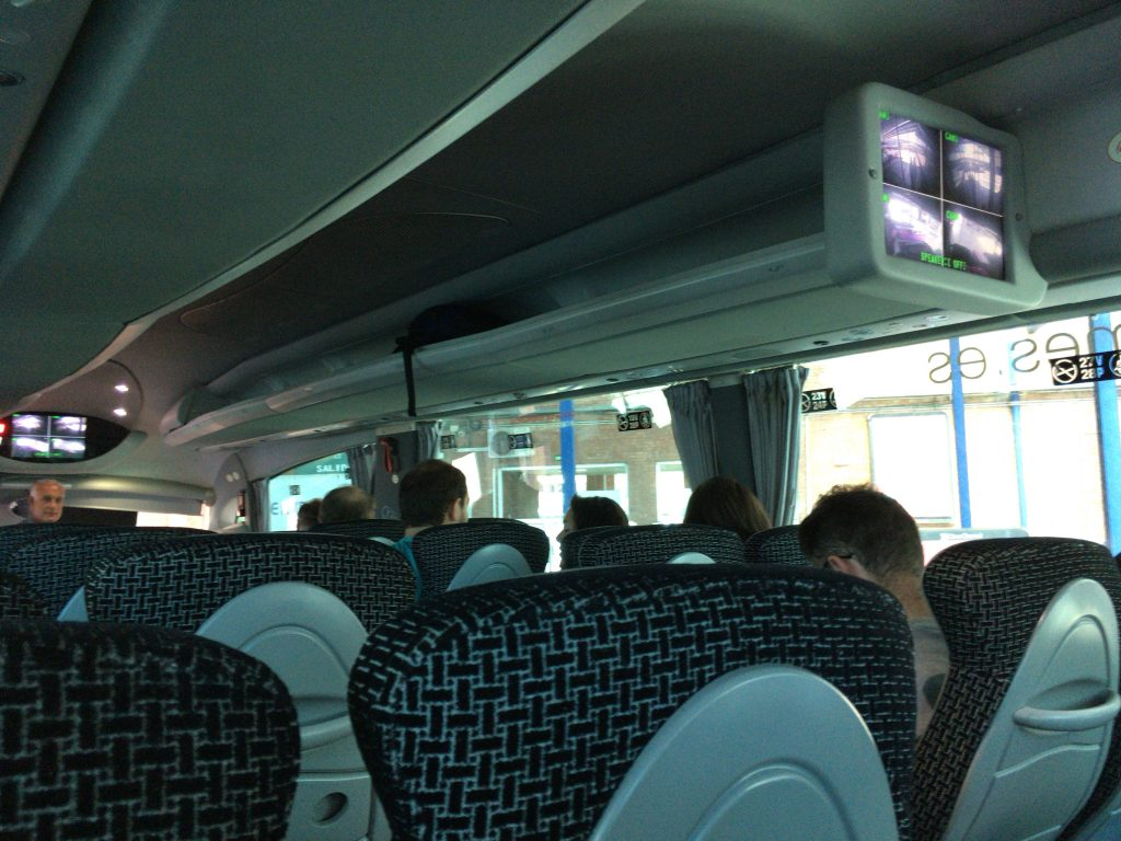 タリファに向かうバスの車内