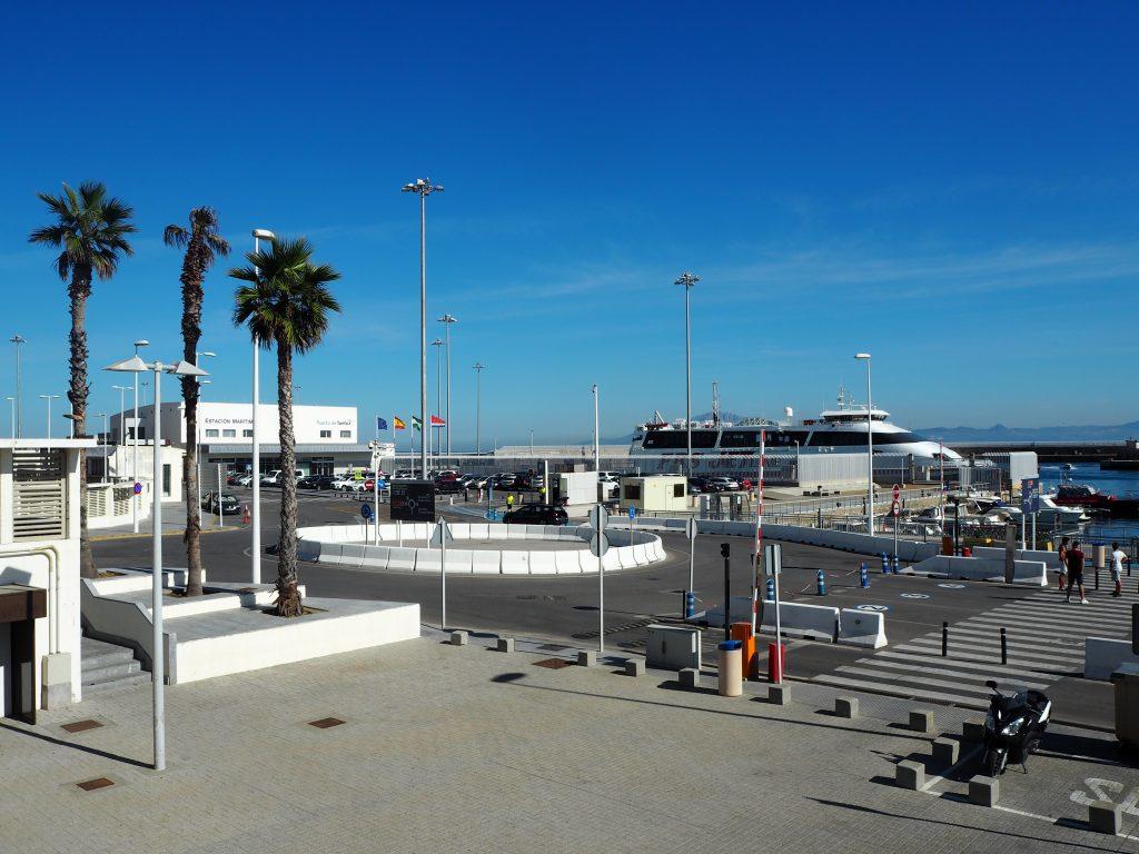 スペインのタリファ港