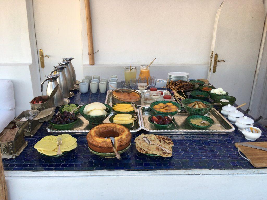 「ダル・ヌール」の朝食