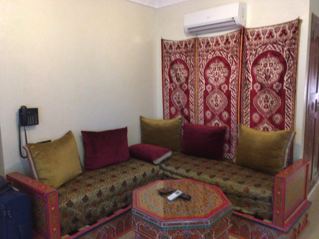 エキゾチックな雰囲気のリビングルーム