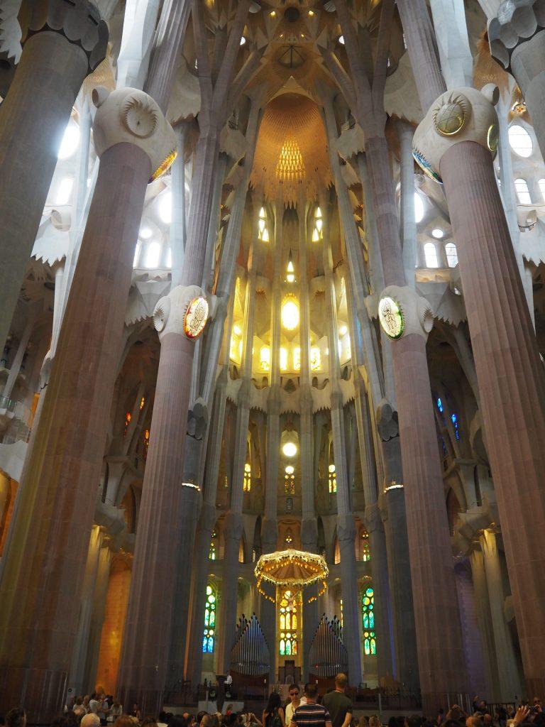 聖堂の中央部分