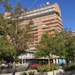 グラナダの街からホテルを望む