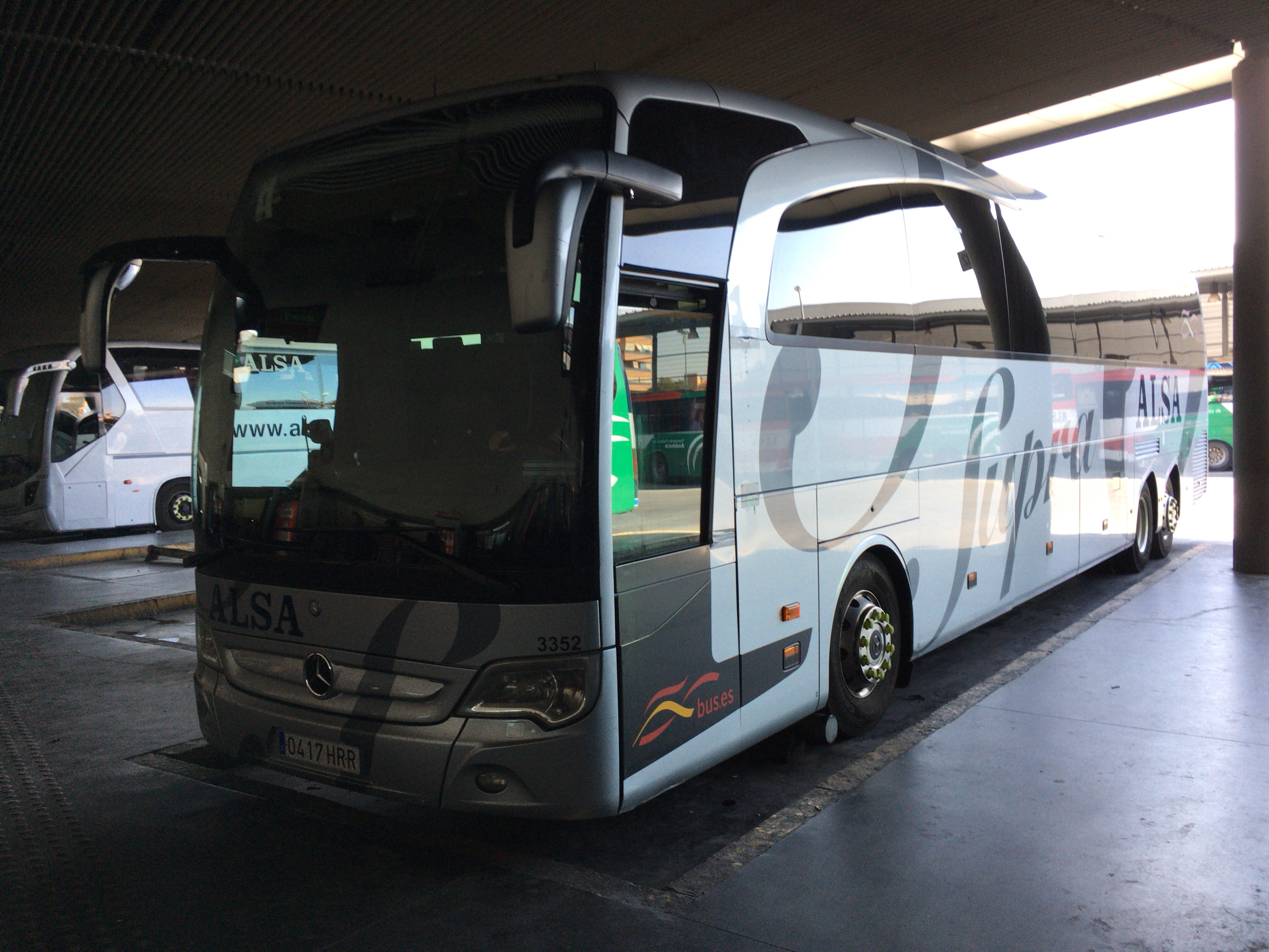 ALSAのSupra Economyのバス。憧れのメルセデス・ベンツだ
