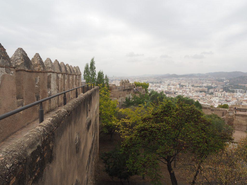 ヒブラルファロ城の城壁を歩く