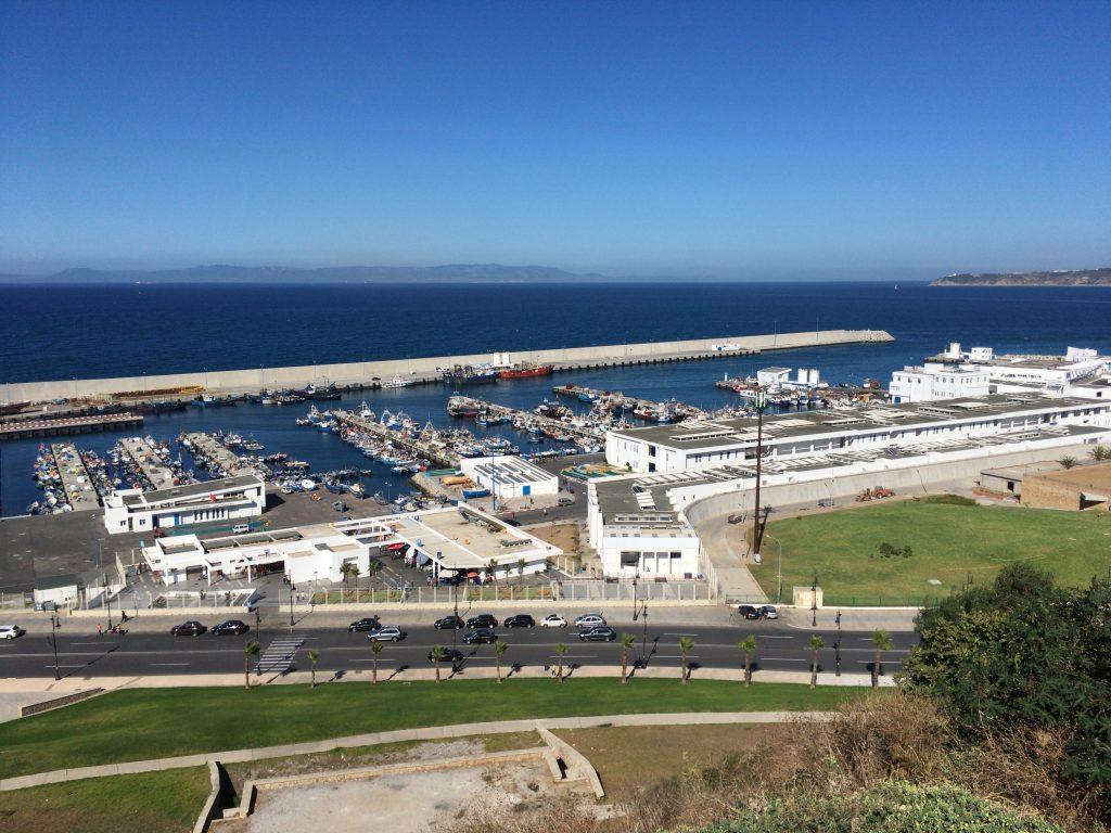 モロッコの海の玄関口タンジェの港。景色は綺麗