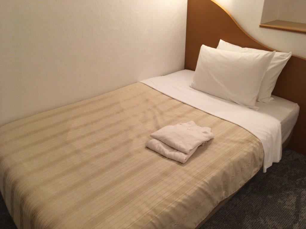 那覇ではシングルルームがあるホテルが多いので一人旅にはありがたい