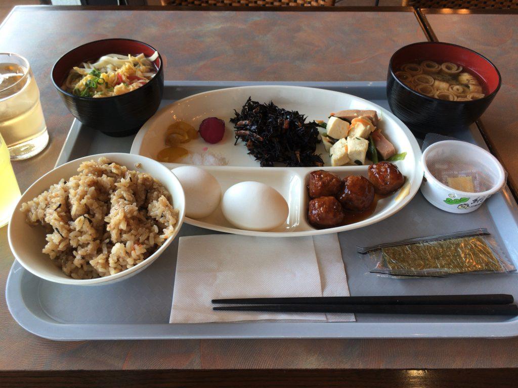 「那覇ビーチサイドホテル」での朝食