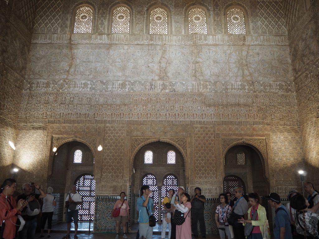 コマレスの塔の内部