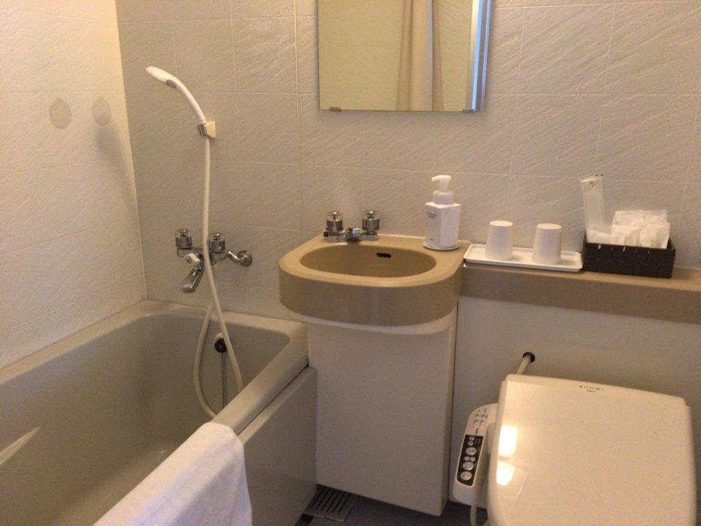 バスルーム。もちろんウォシュレットもあり
