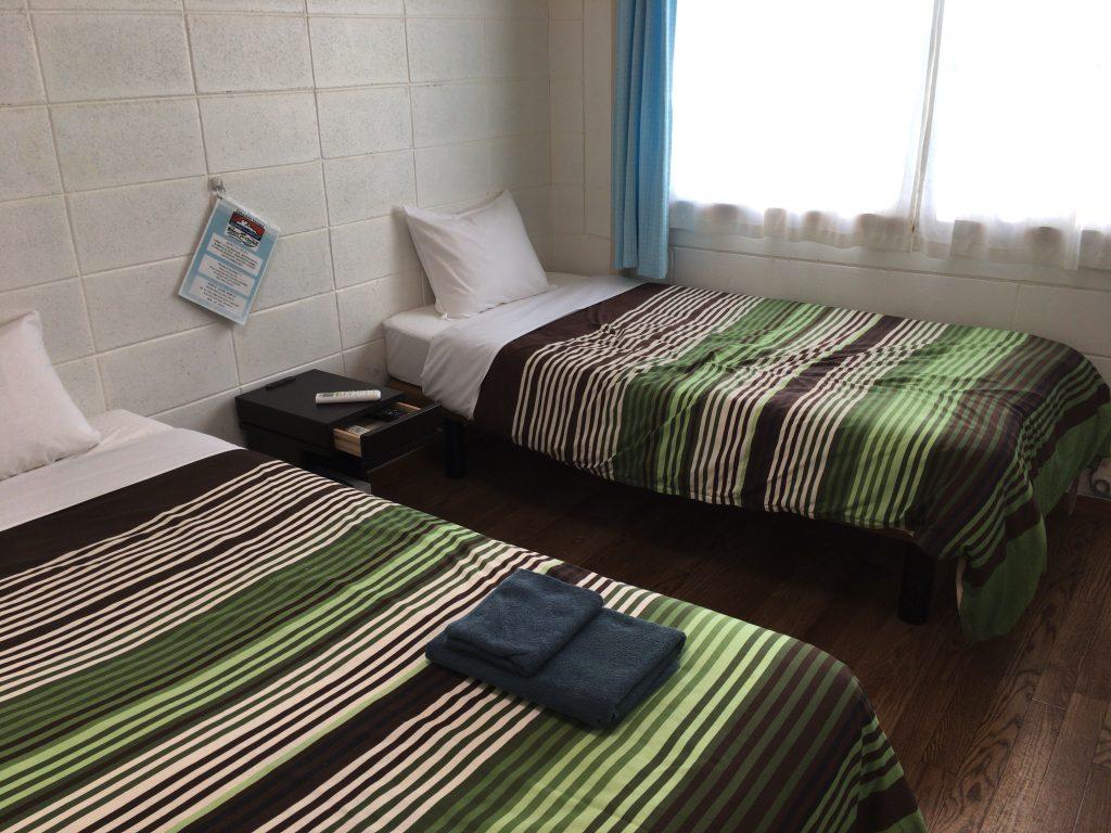 一人旅だともう一方のベッドは物置き場になる