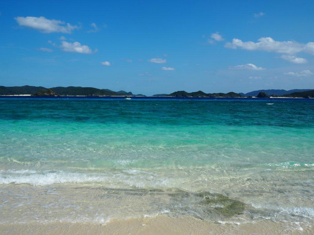 透明度の高い阿嘉島の海