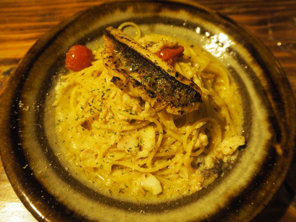グルクンのパスタ。グルクンとはタカサゴのことで沖縄ではメジャーな魚である