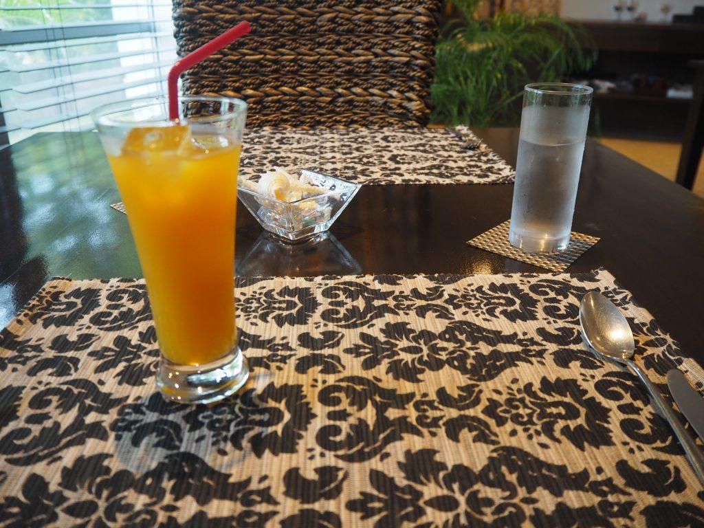 沖縄では定番のマンゴージュース