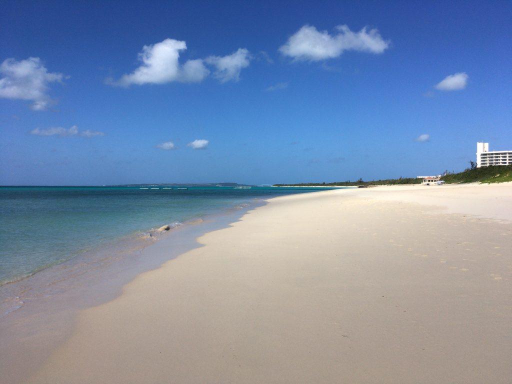 東洋一美しいと言われる与那覇前浜ビーチ