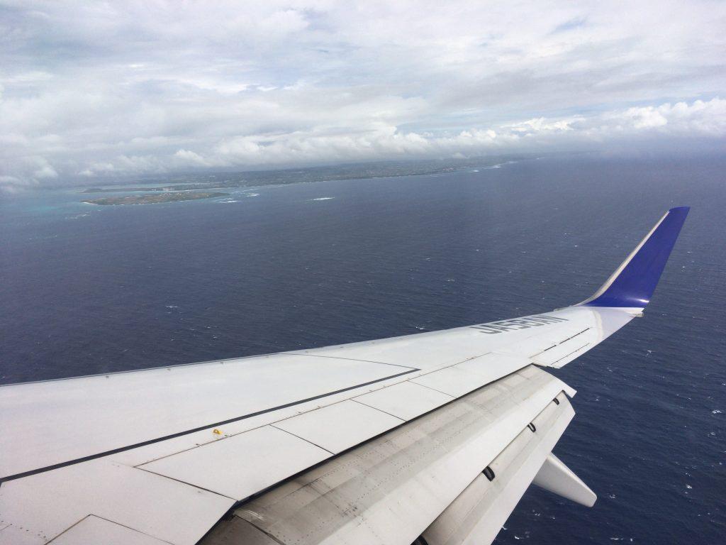 ANAの機内から宮古島を望む