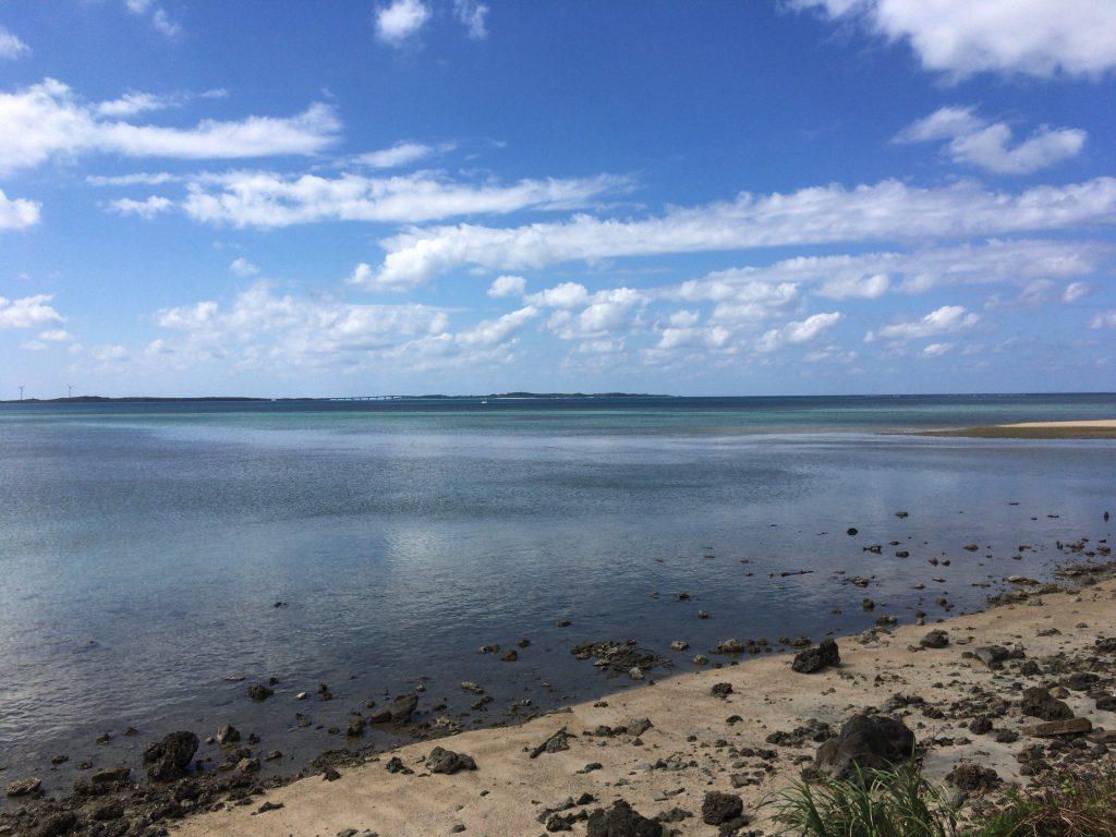 大神島の砂浜